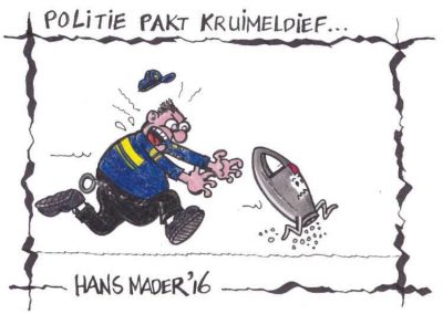 Cartoon door Hans Mader politie pakt kruimeldief